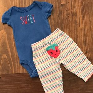Carter's 2pc Newborn outfit
